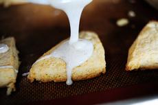 Petite Vanilla Scones