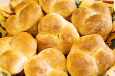 PW Dinner Rolls – No Kneading Required!