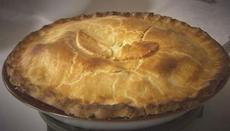 Traditional chicken pie