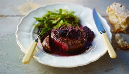 Fillet steak with morel mushroom and wine sauce