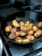 Baked new potatoes with sea salt & rosemary
