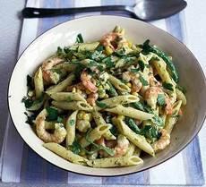 Prawn, sweetcorn & runner bean pasta