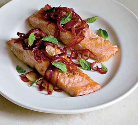 Salmon with sweet & sour red onions | Bottomless Bites