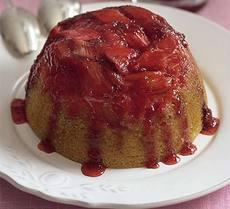 Sticky rhubarb & strawberry sponge pudding