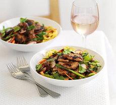Sticky pork & radish noodles