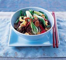 Stir-fry vegetables with cashews