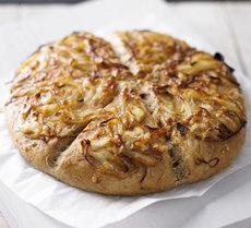 Cheese & caramelised onion coburg
