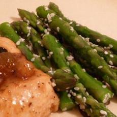 Awesomely Easy Sesame Asparagus