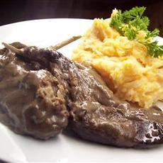 Hasenfeffer (Sour Rabbit Stew)