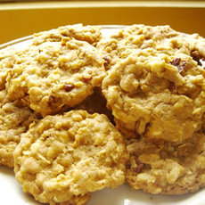 White Chocolate Chip Oatmeal Cookies