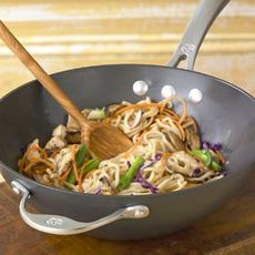 Braised Noodles with Chicken and Vegetables