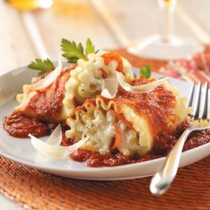 Pepperoni Lasagna Roll-Ups Recipe