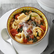 Christmas Tortellini & Spinach Soup Recipe