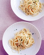 Spaghettini with Lemon Zest and Chives