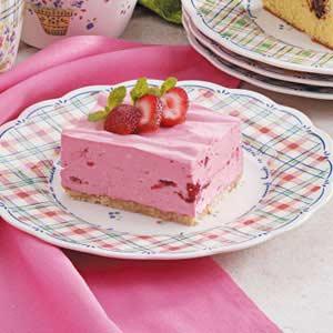 Creamy Strawberry Dessert Recipe