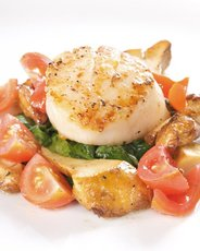 Seared Scallops with Tomato Salsa, Spinach, and Mushrooms