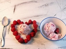 Mini-me's Raspberry Ice Cream