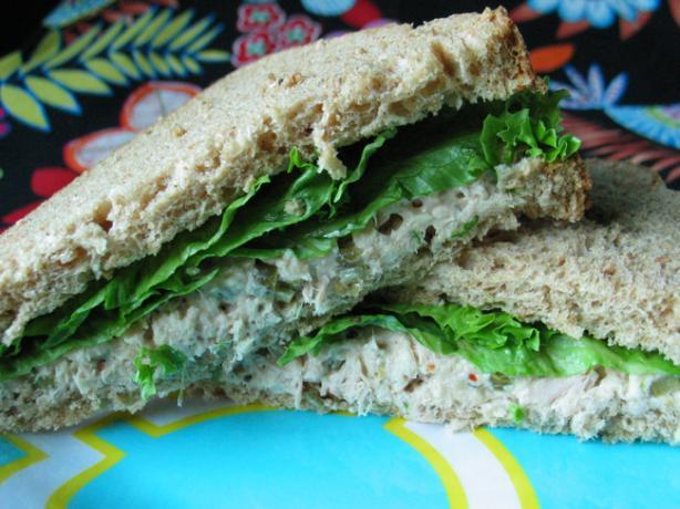 Spicy Tuna Sandwich With Garlic Whistles