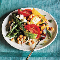 Market Salad with Goat Cheese and Champagne-Shallot Vinaigrette