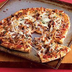 Caramelized Onion and Prosciutto Pizza