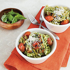 Pesto Pasta with Chicken and Tomatoes