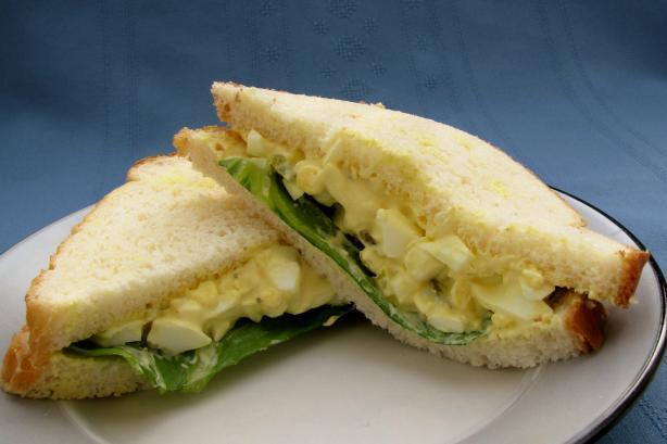 Simple Homemade Egg Salad Sandwich