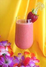 Non alcoholic strawberry colada