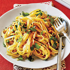Fettuccine with Olive Oil, Garlic, and Red Pepper