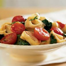 Tortellini with Spinach and Cherry Tomatoes