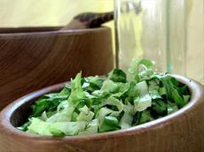 Salata Marouli (Romaine Lettuce Salad)