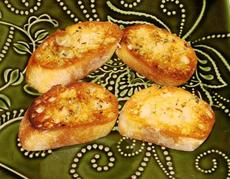French Garlic and Herb Bread (Quick and Easy)