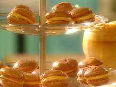 Chocolate Peanut Butter Burgers (French Macaroons)