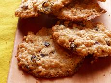Chewy Oatmeal-Raisin Cookies