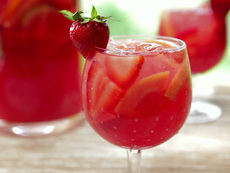 Strawberry-Pink Grapefruit Rose Sangria