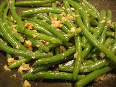 Green Beans With Ginger and Cashews