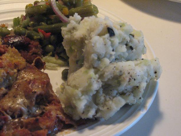 Irish Colcannon (Creamy Potatoes and Cabbage)