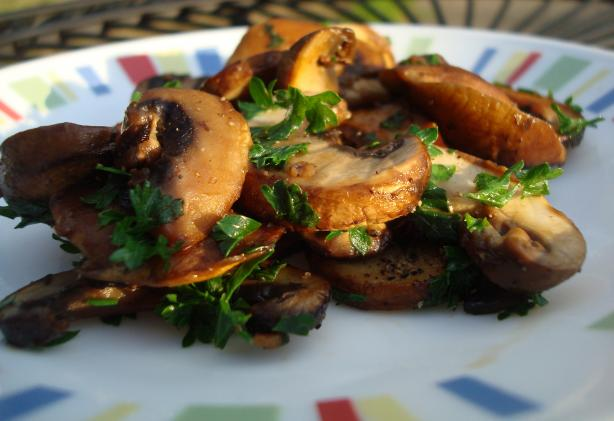 Champinones Al Ajillo (Garlic Fried Mushrooms)