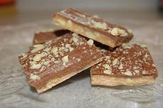 Easy Homemade Almond Roca